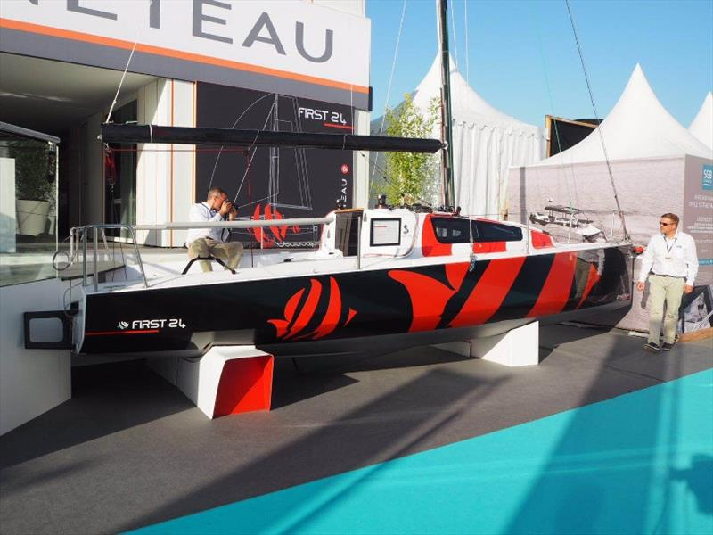 First 24 at 2018 Cannes Yachting Festival - photo © Beneteau