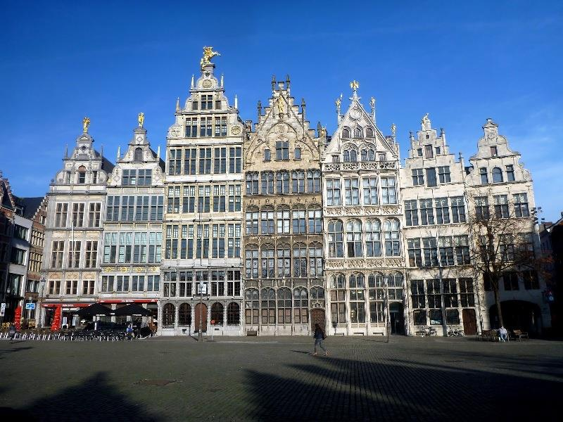 Grote Market Square. On a sunny day. Beautiful old Flemish Architecture - photo © SV Taipan