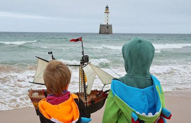 Toy pirate ship launched by Scottish boys sails to Scandinavia © fatherly.com